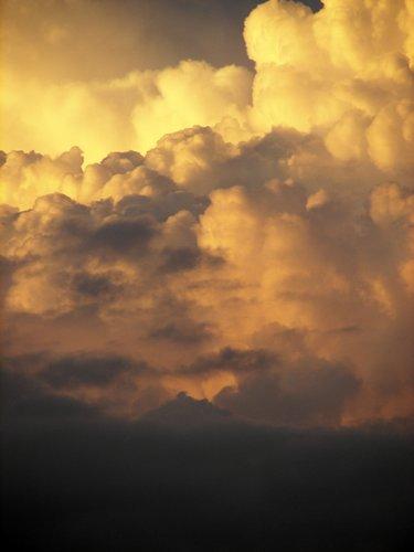 clouds 09.jpg