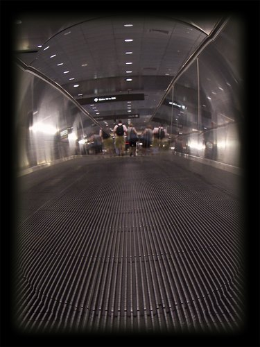 moving walkway airpport.jpg
