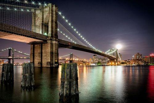 Brooklyn Bridge Moon Rising.jpg