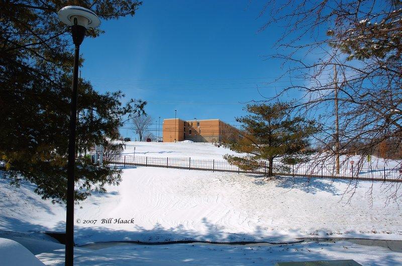 20_DSC_2673 snow look at mid school 020407.jpg
