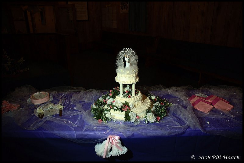 300_DSC_8486 VB FDP wedding cake and table 1200x800 060708.jpg