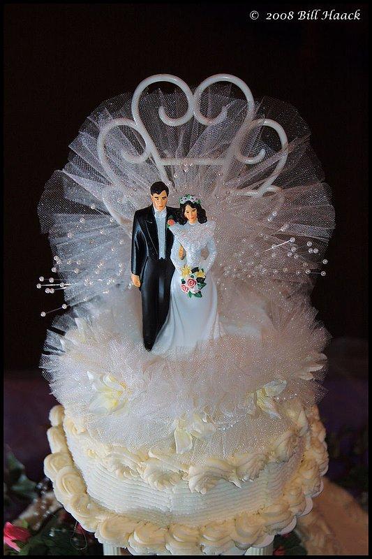 300_DSC_8489 VB FDP wedding cake 003 800x1200 060708.jpg