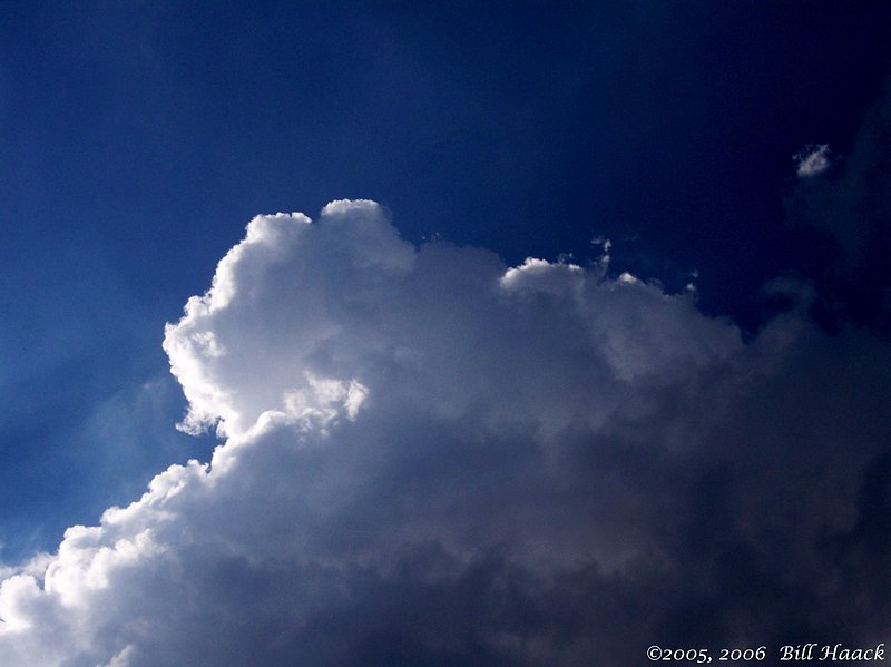 30_100_1471a clouds and blue 082705.jpg