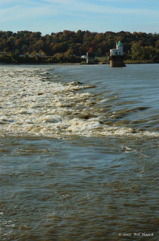 60_DSC_1933 COR bridge tower n river 110807.jpg