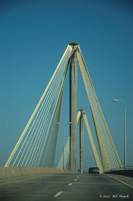 60_DSC_2165 GRR Clark Bridge Alton 005 110907.jpg :: The Clark Bridge crossing the Mississippi River into Alton, IL from Missouri just north of St Louis is a beautiful example of a dual suspension bridge.