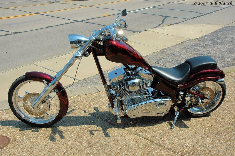88_DSC_4047 red motorcycle 041906.jpg
