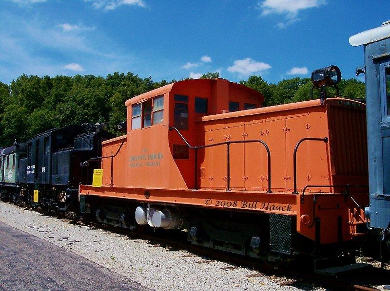 89_100_0150 Joplin Pittsburg orange Locomotive 080604.jpg