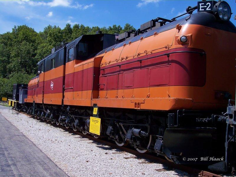 89_100_0153 orange double engine 080604.jpg