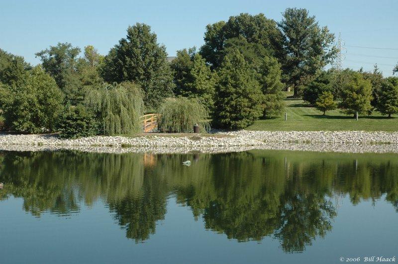 90_DSC_9586 mirror lake by Barnes West 090706.jpg