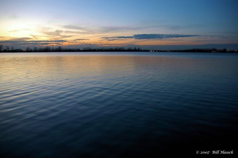 96_DSC_1119 blue sunset Creve Coeur lake 012706.jpg