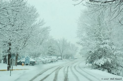 20_DSC_1618 snowy street scene WPS 020806.jpg