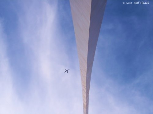 64_100_2684 arch from looking up 101905.jpg