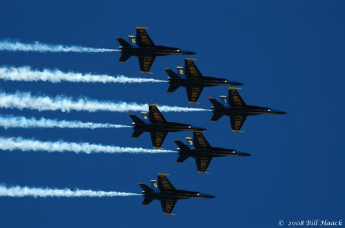 80_DSC_9088 Blue Angels 6 smoke 021 090107.jpg