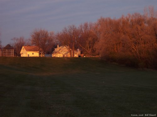 97_100_3180 dawn on farm house 120205.jpg