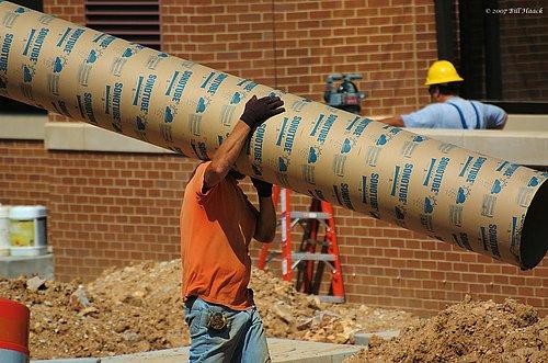 DSC_4644 worker pipe 060607.jpg