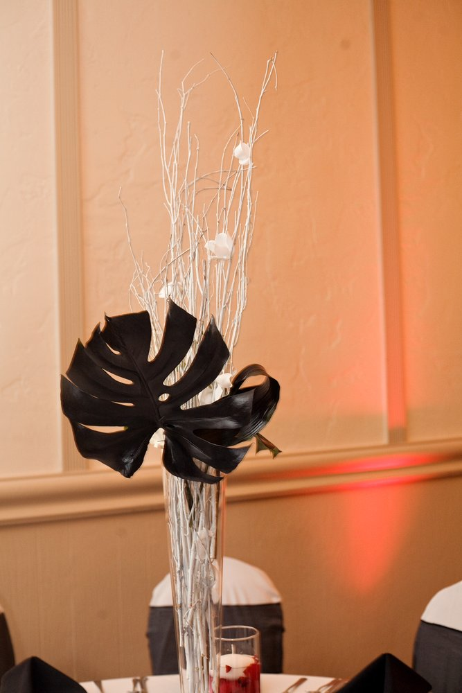 Black and White Centerpiece- brich branches and Monstera leaf ...