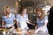 Waitress_104.jpg
