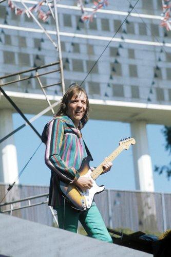 Robin Trower 1975.jpg