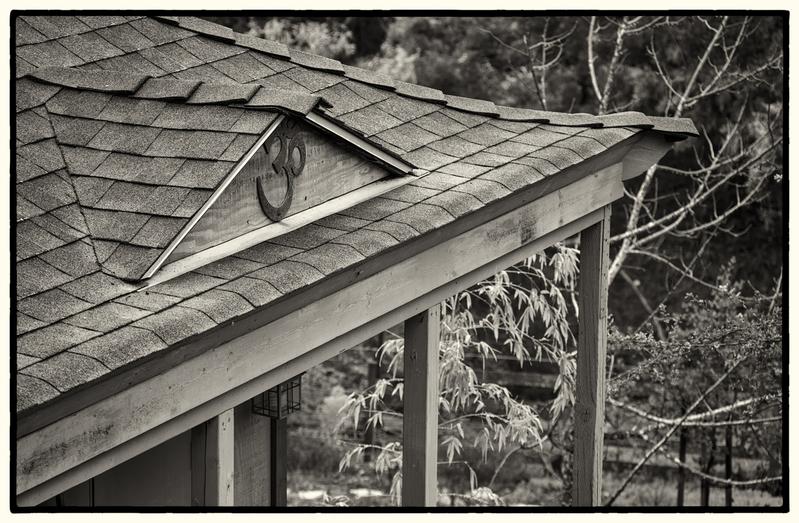 Om.jpg :: Om - Monterey