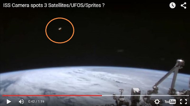 9-13-15  I.S.S. AND ALIEN CRAFT IN ORBIT--NASA--PIC 2.jpg :: 15