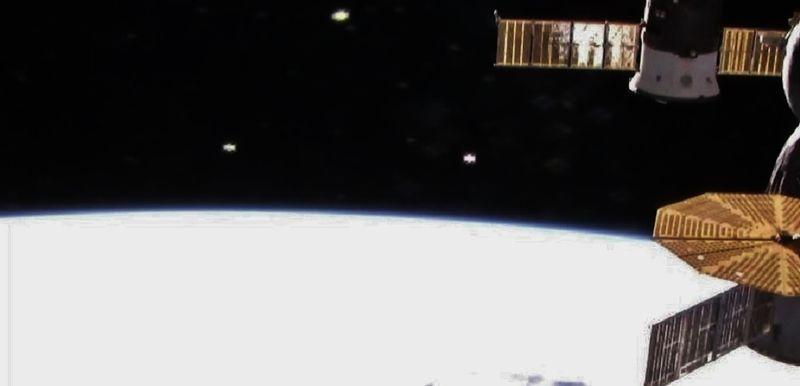 2-13-16  I.S.S. AND ALIEN CRAFT IN ORBIT--NASA--MUFON.jpg