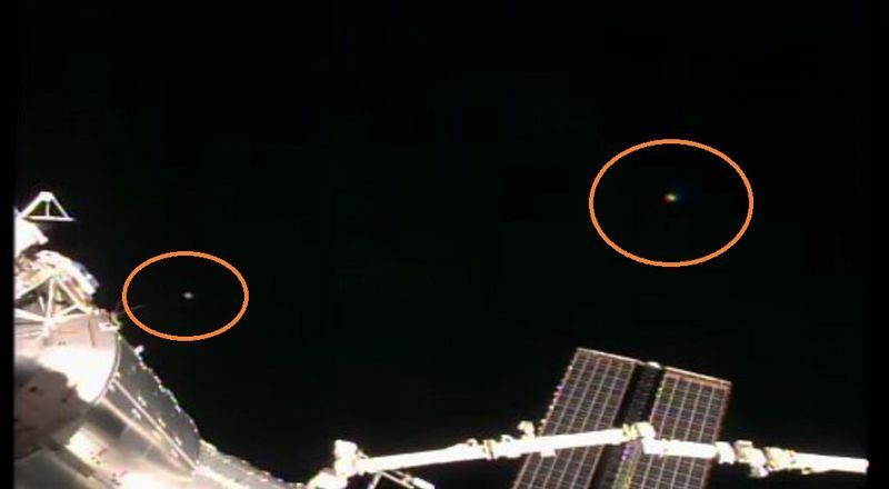 2-24-16 I.S.S.  AND ALIEN CRAFT IN ORBIT--ROB ROBINSON SOURCE.jpg