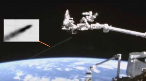1-11-16  STRANGE CRAFT AND I.S.S. IN ORBIT--NASA.jpg