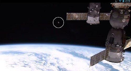 10-1-15  NASA LIVE FEED AND ALIEN CRAFT IN ORBIT..jpg