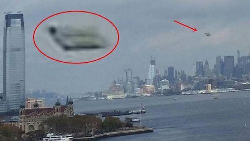 10-25-15  MANHATTAN NEW YORK--PIC 1--UFO SIGHTING HOTSPOT.jpg