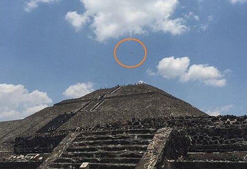 5-4-15 TEOTIHUCAN MEXICO--MUFON.jpg