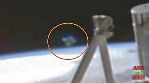 4-17-16 ALIEN CRAFT AND I.S.S. IN ORBIT--NASA CAMERA FEED--JAY MARSLAND SOURCE.jpg